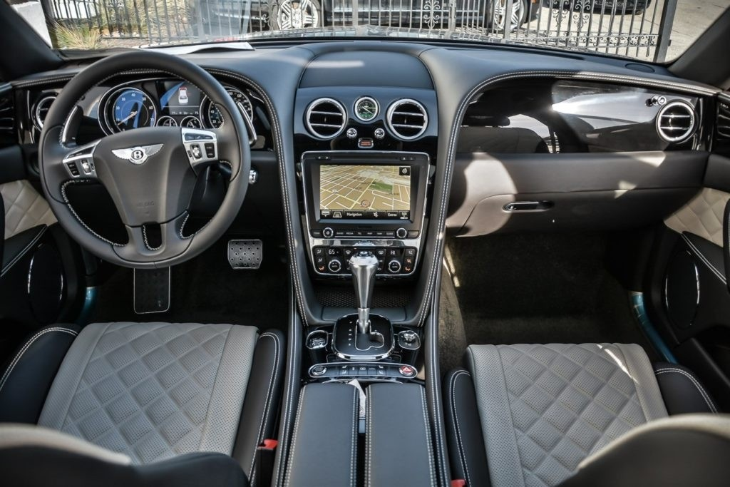 2017 Bentley Flying Spur V8 Interior
