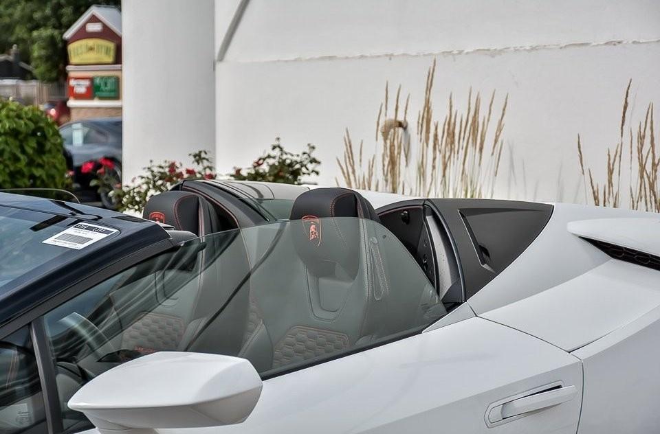 2017 Lamborghini Huracán Spyder Exterior