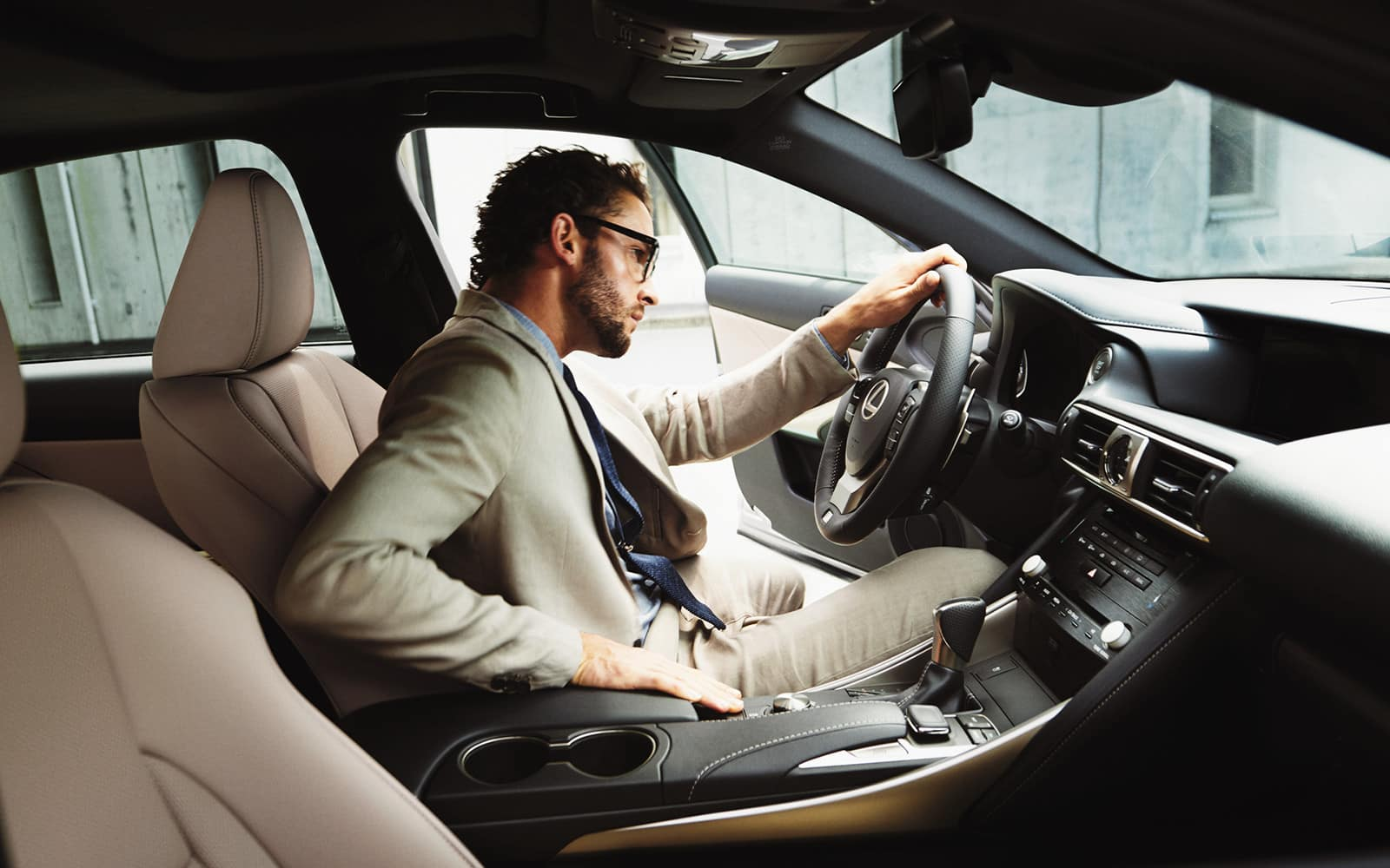 lexus-2018-is-300-awd-chateau-nuluxe-interior-l