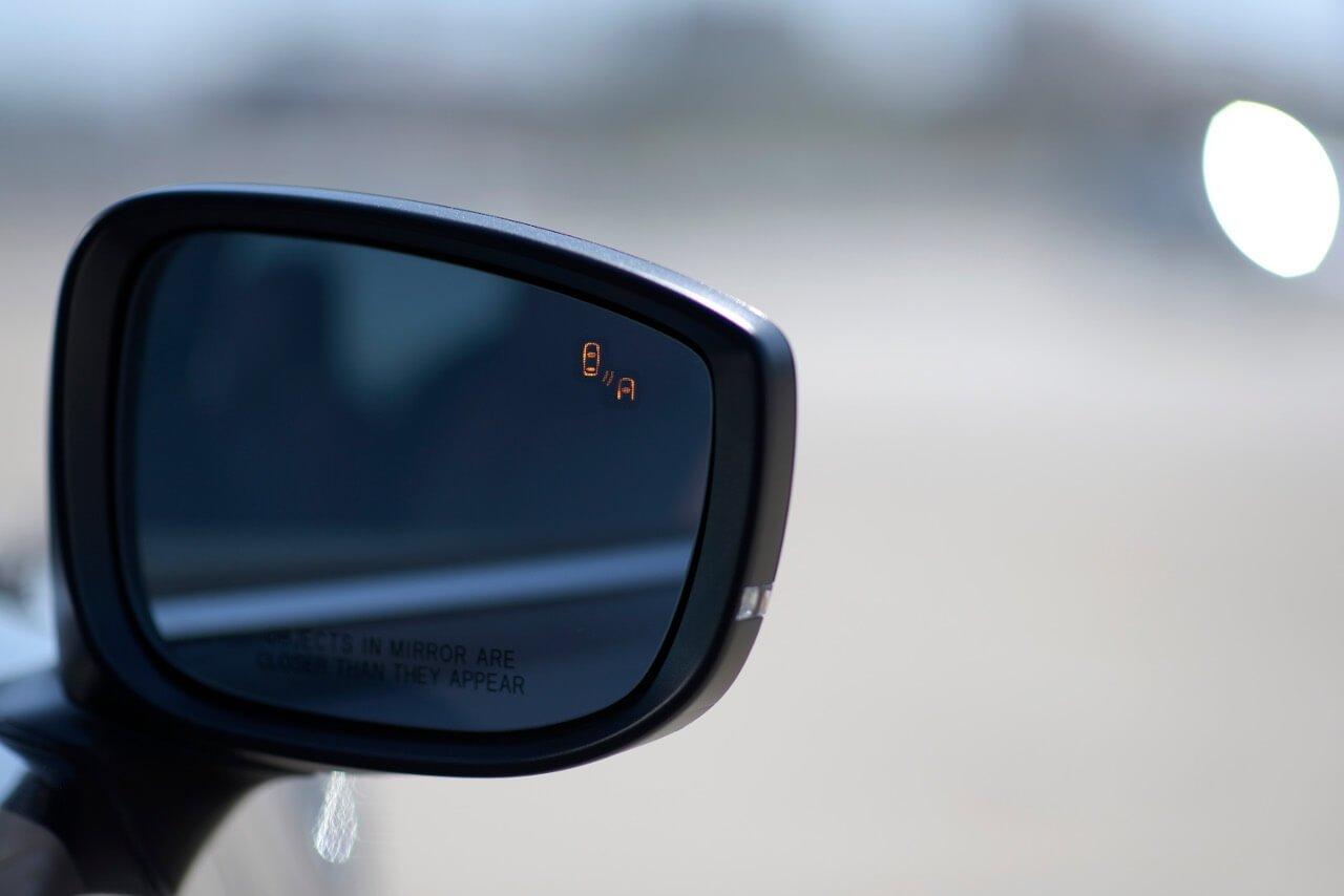 2017 Mazda CX-9 blind spot monitor