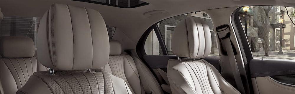 Front and rear seats in the E-Class from the perspective of the front passenger's seat