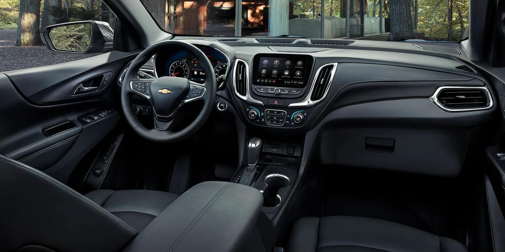 picture of chevrolet equinox 2021 front seat black interior for sale in Hooksett New Hampshire