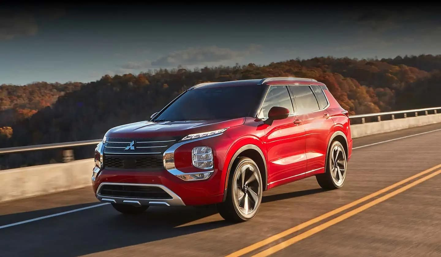 picture of mitsubishi outlander 2022 red exterior for sale in Hooksett New Hampshire