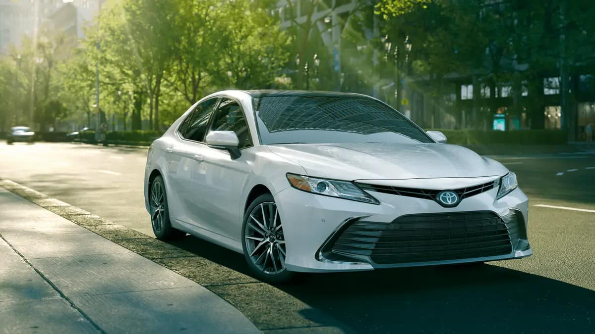 picture of toyota camry 2021 white exterior for sale in Hooksett New Hampshire
