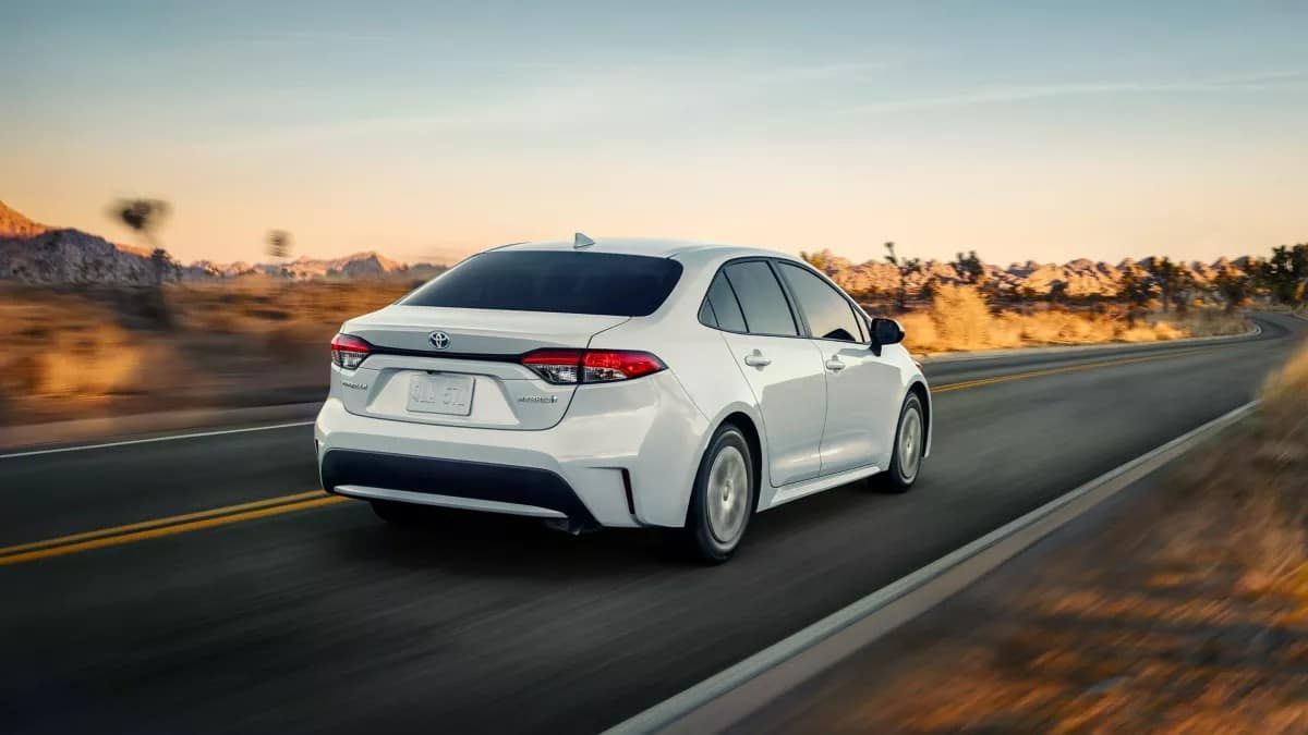 picture of toyota corolla 2022 hybrid pearl exterior for sale in Hooksett New Hampshire