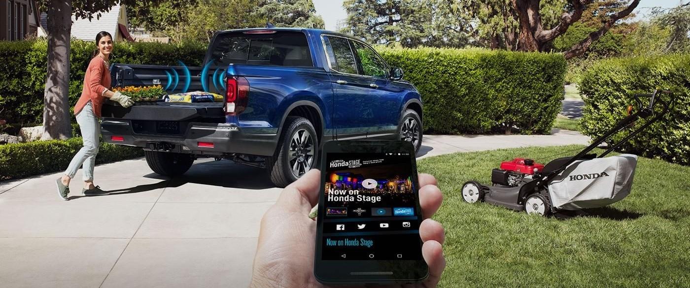 2017 Honda Ridgeline technology features