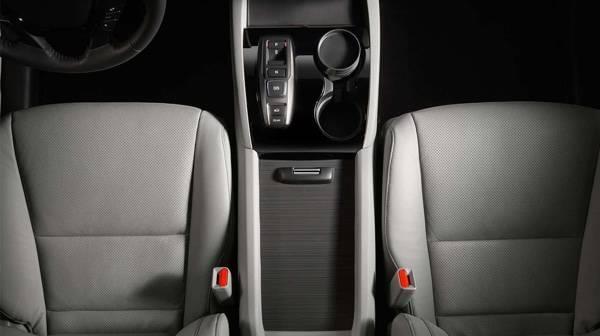 2017 Honda Pilot front leather seats