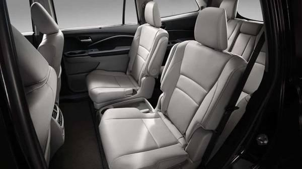 2017 Honda Pilot leather interior seats