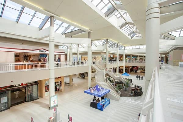 Galleria at Crystal Run Mall Interior 01