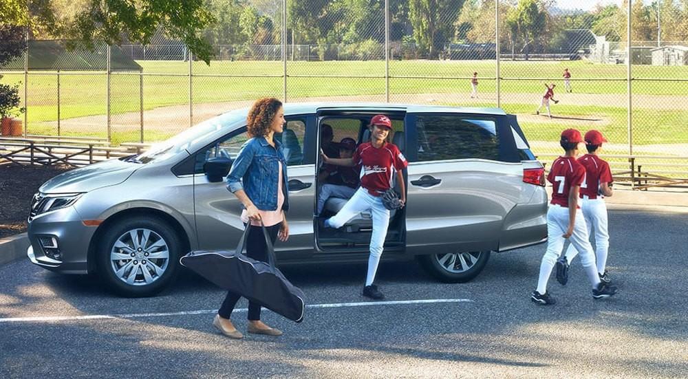 2018 Honda Odyssey side view