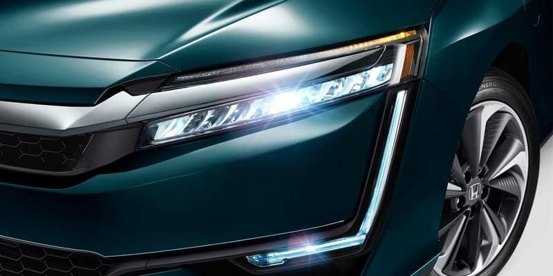 2018 Honda Clarity Plug-In Hybrid LED headlights