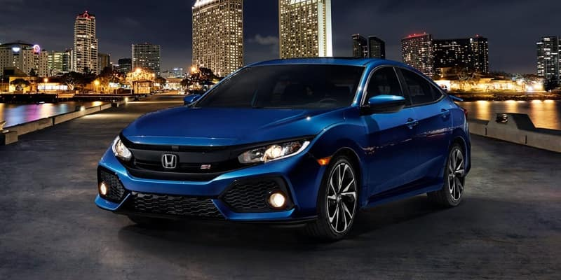 2018 Honda Civic Si parked at night
