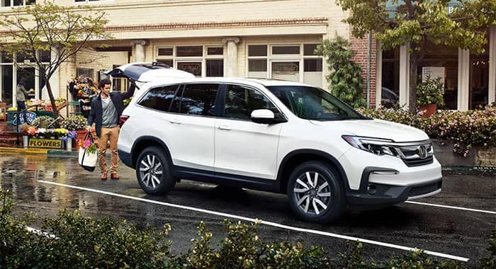 2019 Honda Pilot White Parked at Store