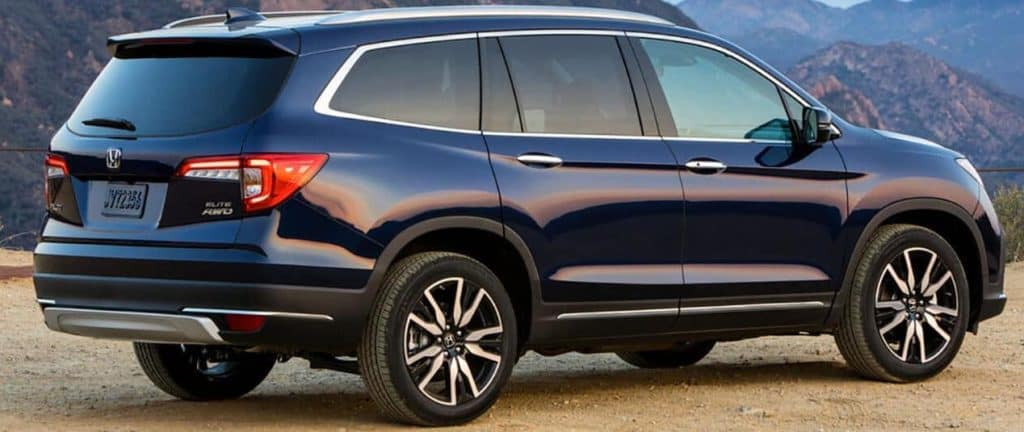 2020 Honda Pilot side view
