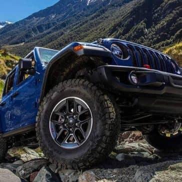 2019 Jeep Wrangler on rocks