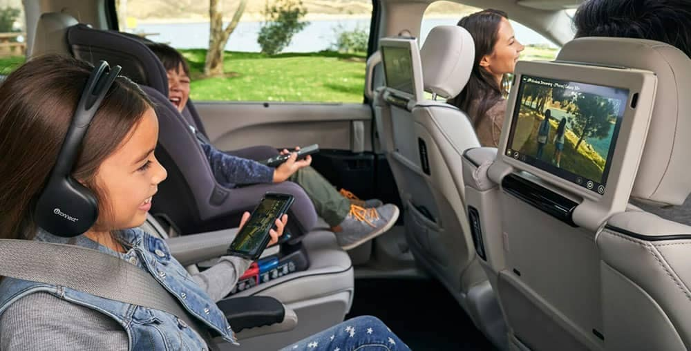 2019 Chrysler Pacifica backseat entertainment