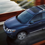 2017 nissan pathfinder on roadway