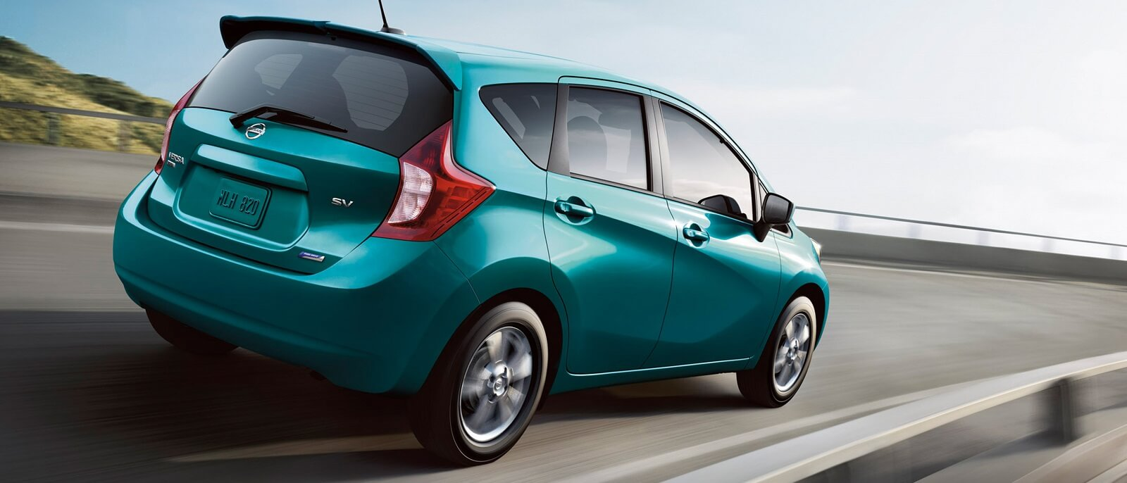 2016 nissan versa note on the highway