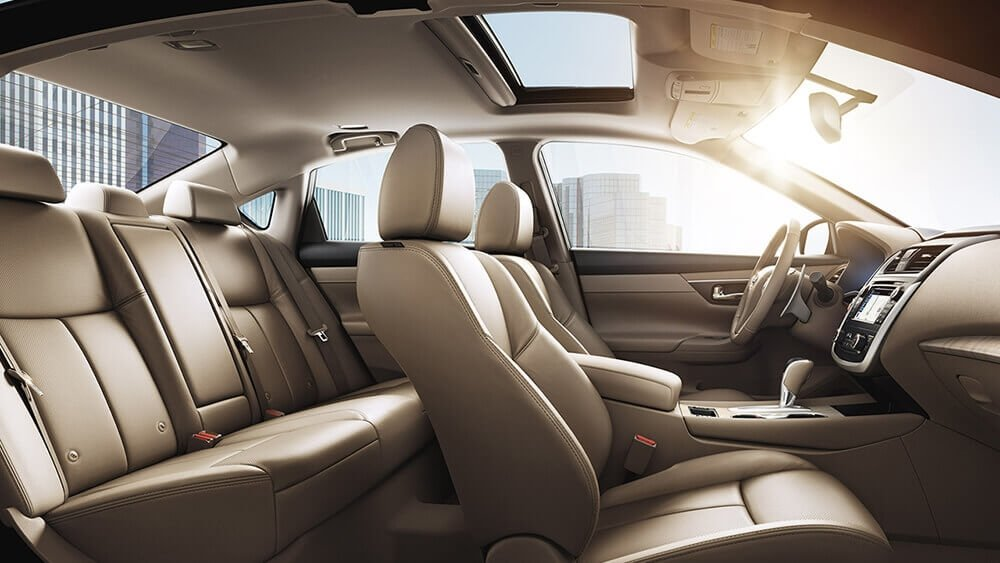 2017 Nissan Altima Beige Leather Interior Gallery 5