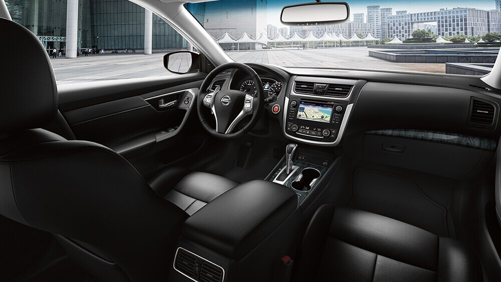 2017 Nissan Altima Charcoal Leather Interior Gallery 6