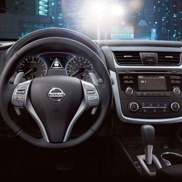 2017 Nissan Altima Interior Gallery 7