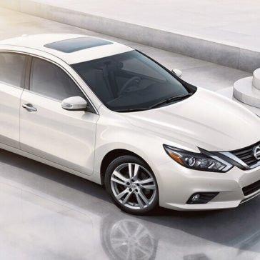 2017 Nissan Altima SL 3.5 Pearl White Gallery 4