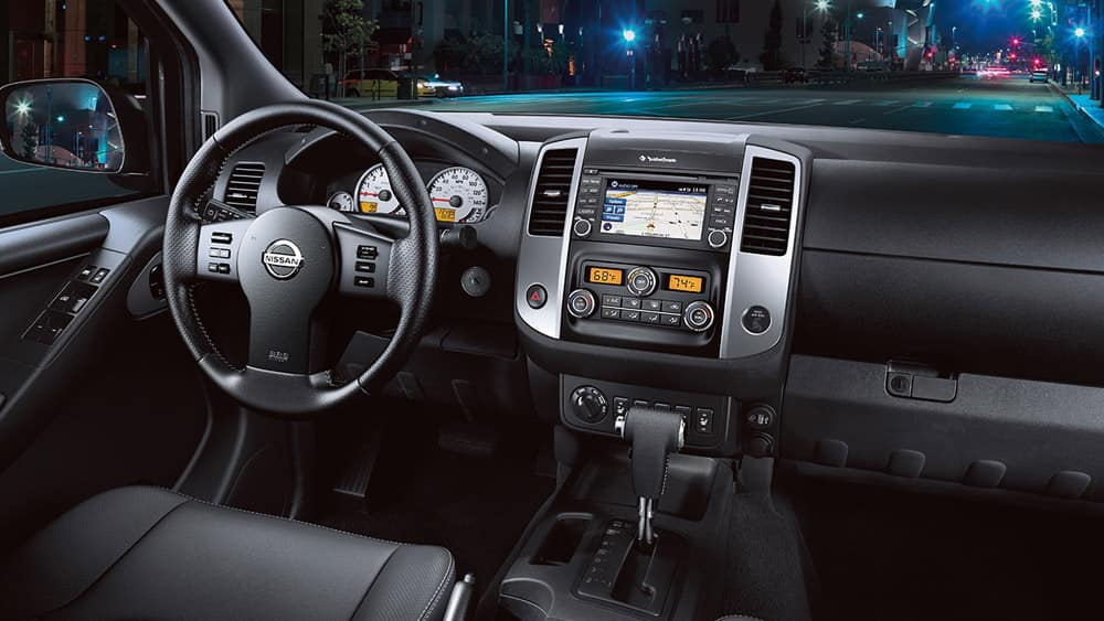 2018 Nissan Frontier interior console