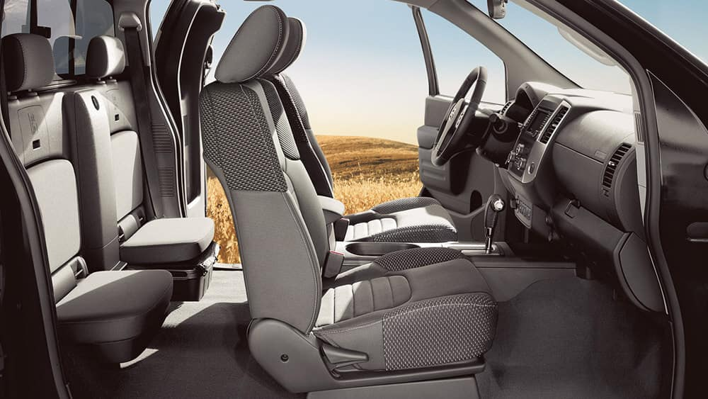 2018 Nissan Frontier King Cab interior