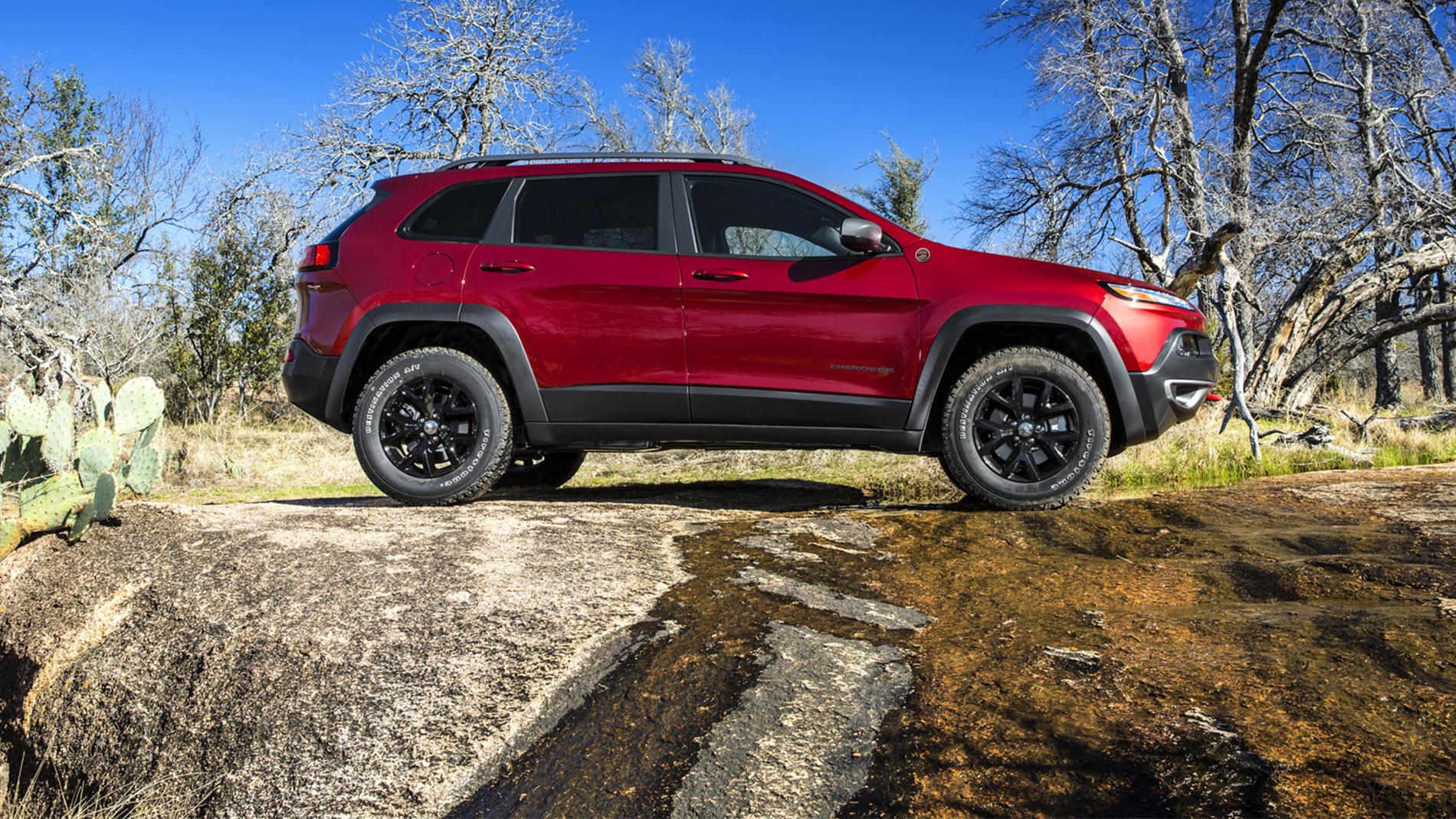 New 2019 Jeep Cherokee | Quirk Chrysler Jeep near Boston MA