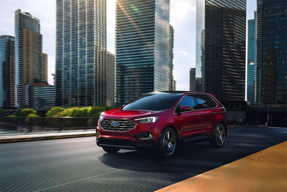 2019-Ford-Edge-Exterior-On-City-Street