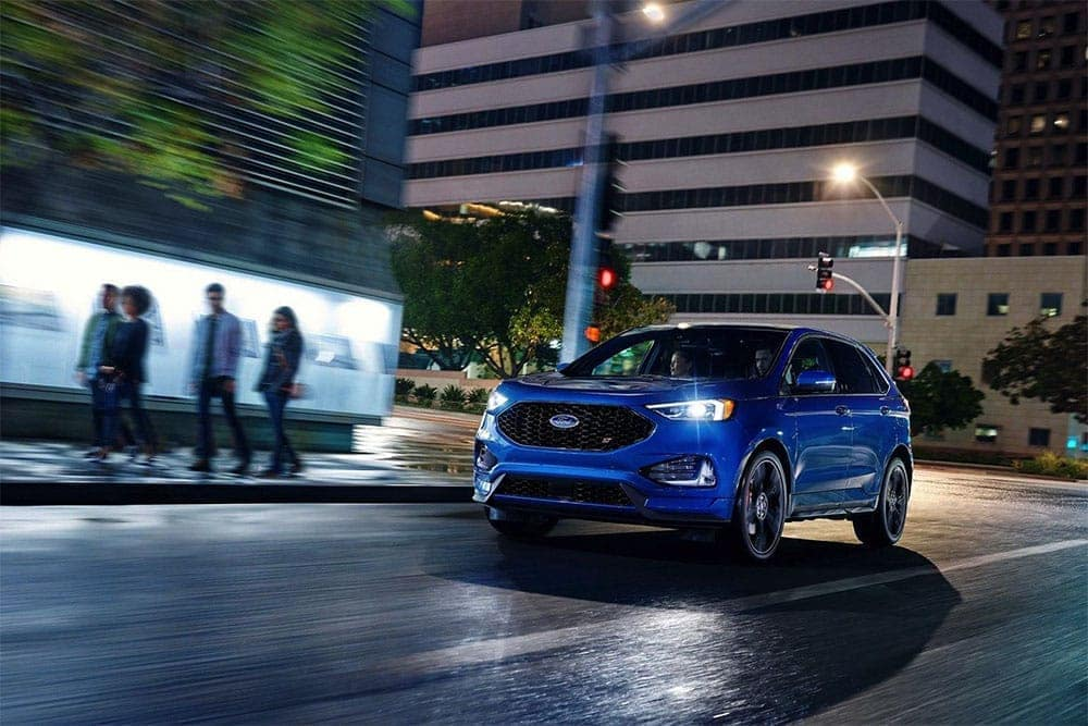 2019-Ford-Edge-at-Night