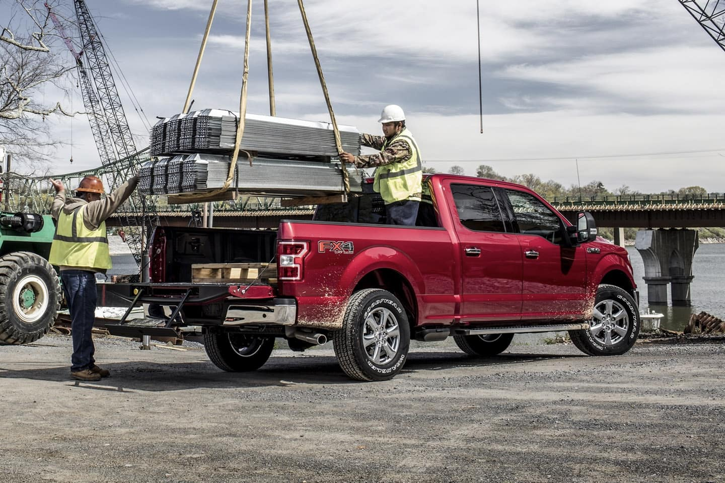 2020 Ford F-150 loading bed