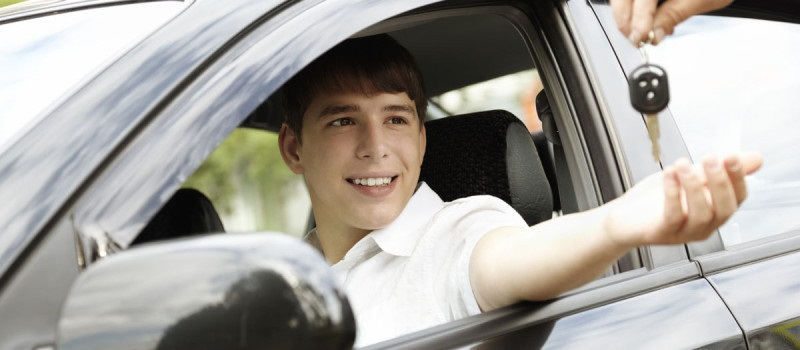 Teen_Buying_Car