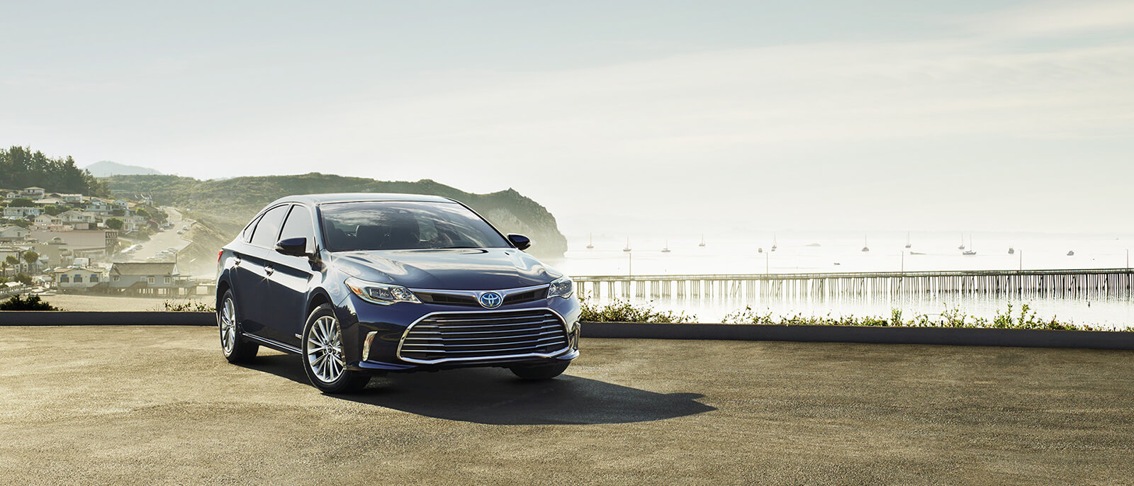 2016 Toyota Avalon Hybrid Parked