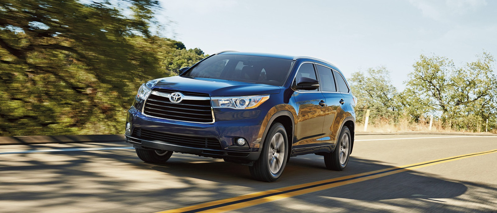2016-Toyota-Highlander Driving