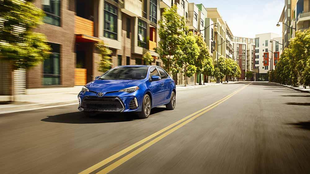 2017 Toyota Corolla Driving
