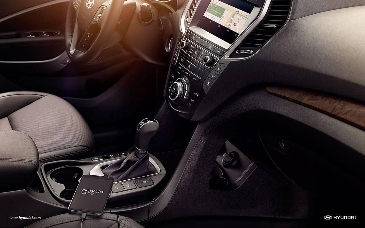 2017 Hyundai Santa Fe dashboard detail