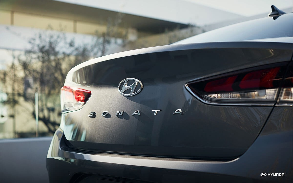 2018 Hyundai Sonata the trunk