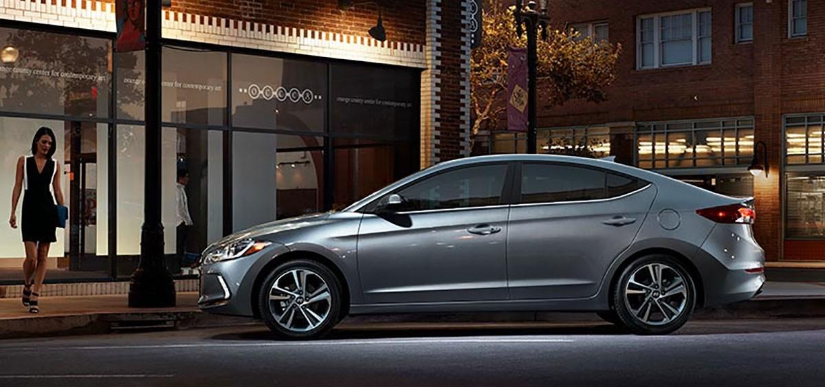 2018 Hyundai Elantra profiles view
