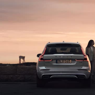 2018 Volvo XC60 rear view