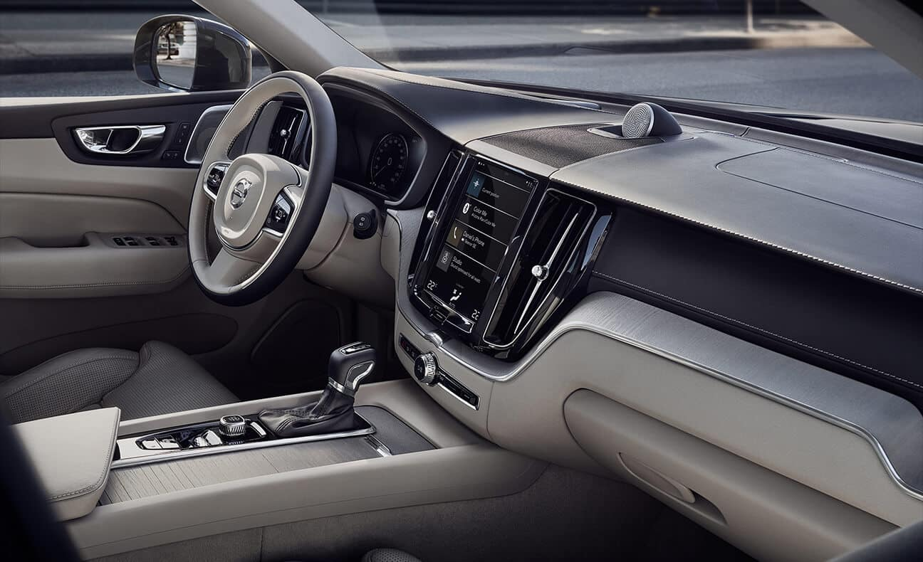 2018 Volvo XC60 steering wheel