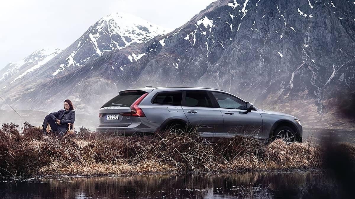 2018 Volvo V90 mountain view
