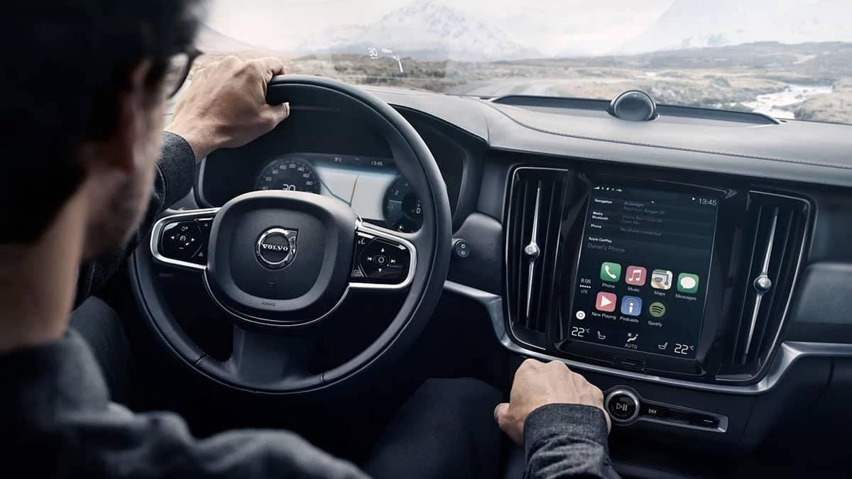 2018 Volvo V90 dashboard