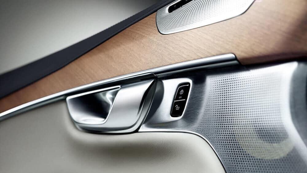 2018 Volvo XC90 interior detail