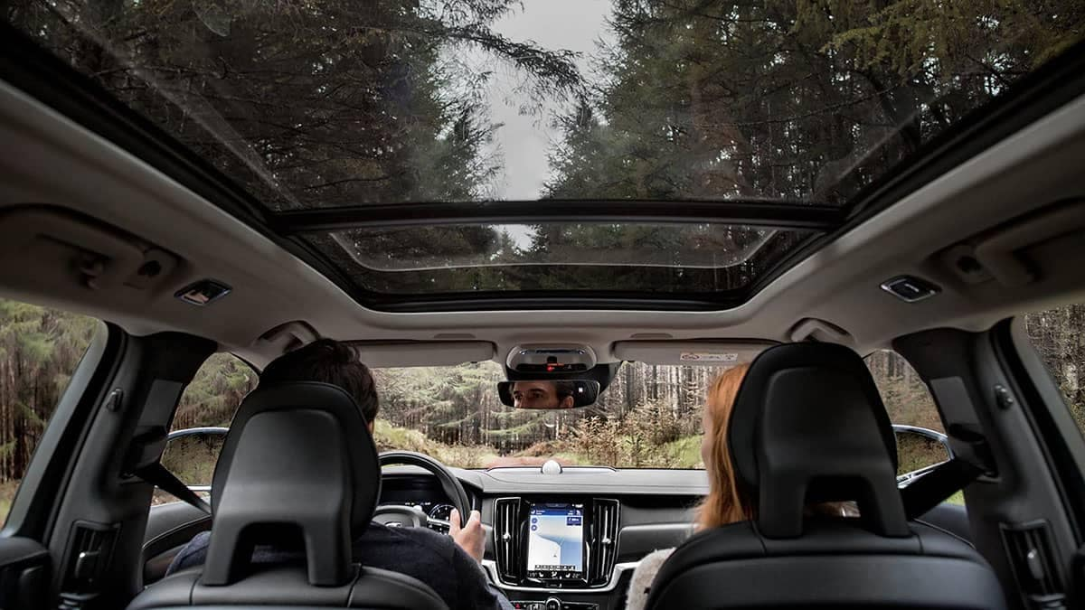2018 Volvo V90 moon roof