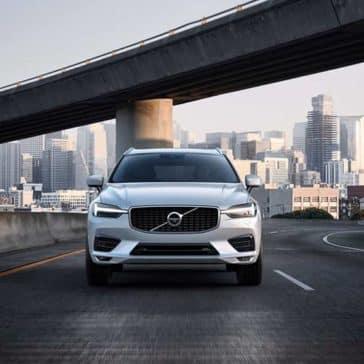 2019 Volvo XC60 exterior front view