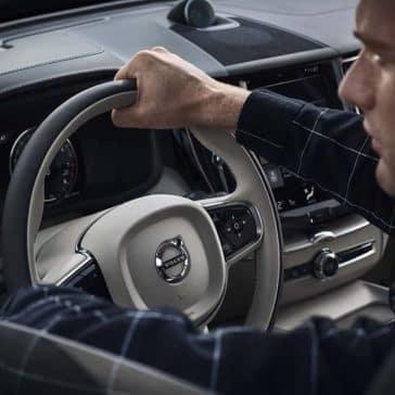 2019 Volvo XC60 steering wheel