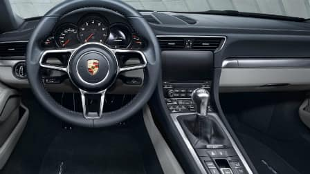 2017 Porsche 911 Carrera dashboard