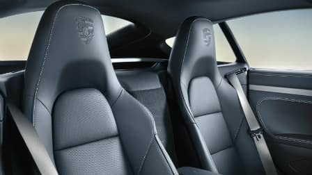 2017 Porsche 718 Cayman front seats