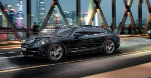 2018 Porsche Panamera in black